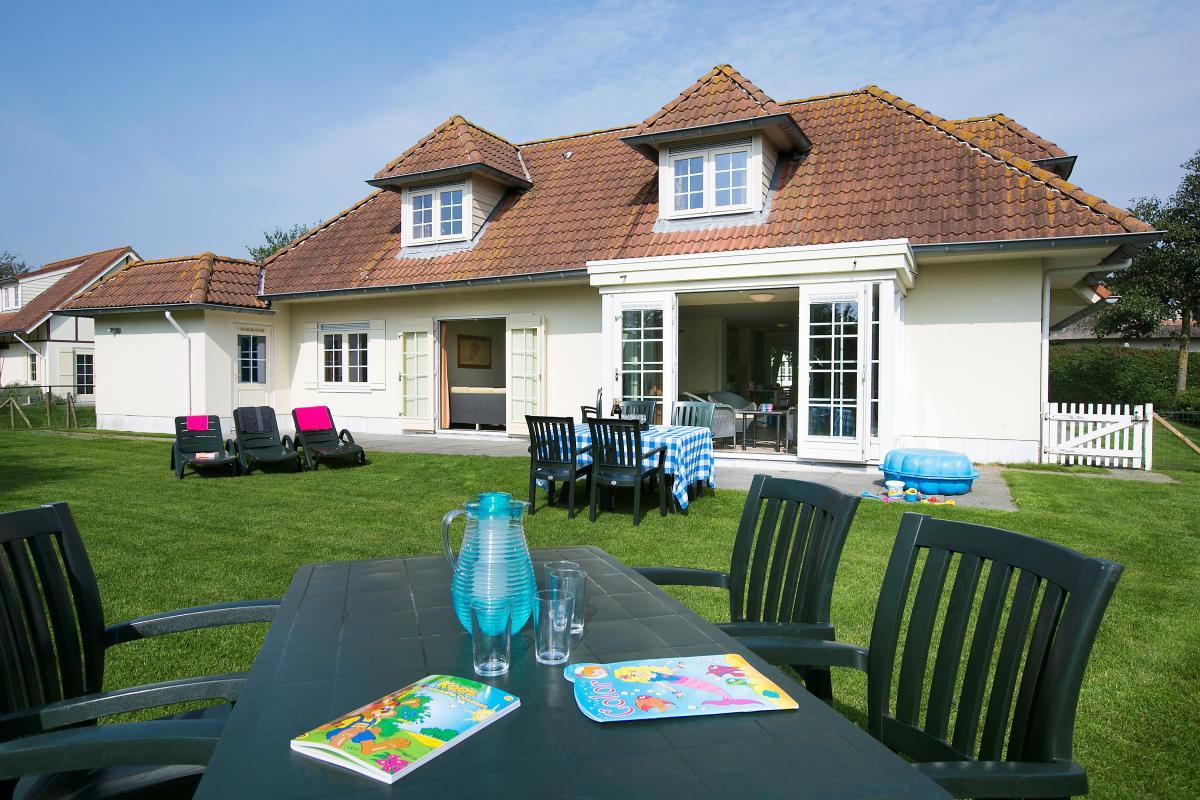 16 persoons bungalow fv16   roompot vakanties buitenhof domburg